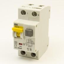 Автоматический выключатель диф. тока IEK АВДТ32 C16 30мА